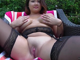 Chubby coddle Gigi Sky is great at riding a lover's boner
