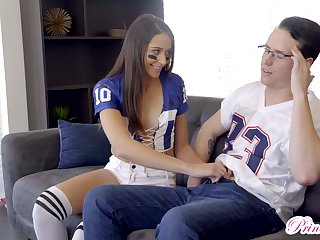 Spoiled stepsister Avi Love fucks her nerdy stepbrother in glasses