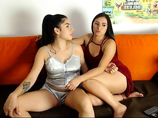 Latin woman has very nice body live porn webcam