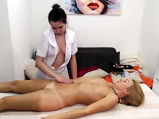 Real amateur poofter massage turns into rimjob and fingering
