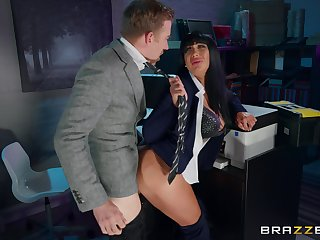 Lord it over Valentina Ricci gives up some sympathetic pussy in the date