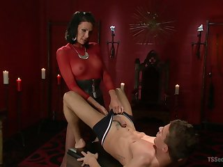 Medial shemale shows her male slave proper anal pleasure