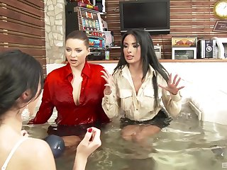 Derogatory pizzazz sluts in clothes love playing in burnish apply jacuzzi