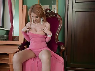 Busty mature woman Karolina wanna tease her wet pussy on her own