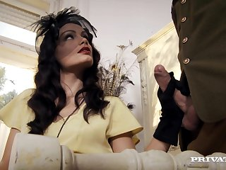 Kinky wife Sophie Lynx in stockings gets ass fucked balls deep