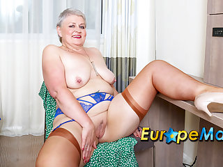 EuropeMaturE Busty Mature Bon-bons Cummings Exposing Her Tits And Fucked Herself